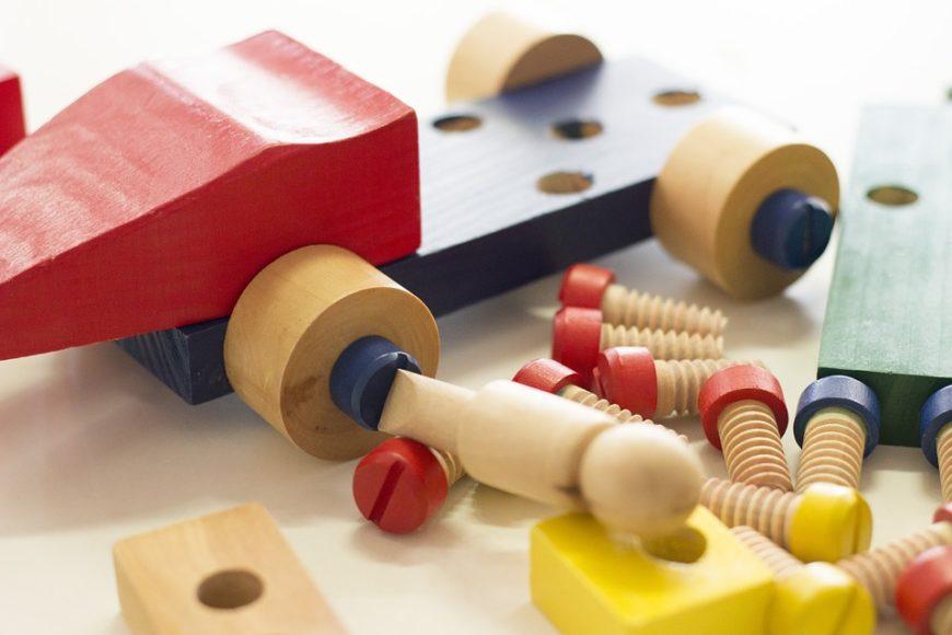 Giochi, Legno, Bambini: la triade perfetta